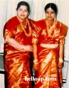 Sasikala with Jayalalithaa